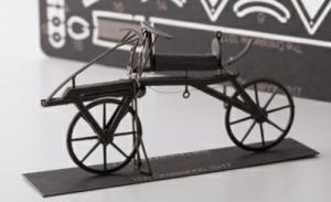 AEROBASE K001 Art Draisine 1817 - Historisches Laufrad (1:24)