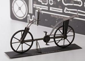 AEROBASE K004 Da Vincis Fahrrad - Historisches Fahrrad (1:24)